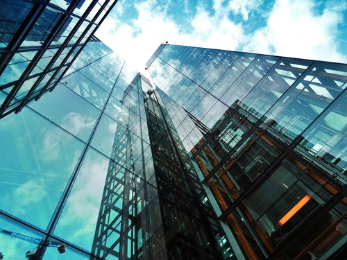Top considerations when hiring a professional glazier